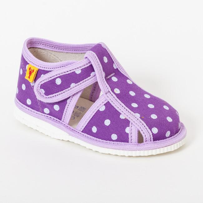0beb2f161dae Fialové papuče s bodkami a uzavretou špicou - Prezuvky.sk