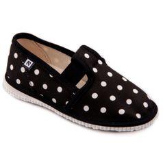 Papuče čierne bodky