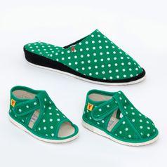 3ca14bac8 Rodinné balenie - dámske a detské papuče zelené bodky