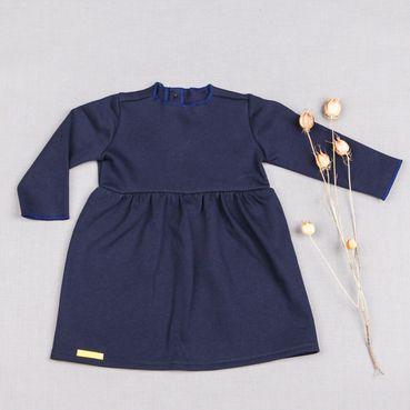 Šaty modré riasené GOTS - zateplené